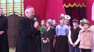 Biskup Adam Odzimek z wizytą w szkole w Zachorzowie