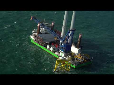 El homenaje de Iberdrola a los trabajadores del parque eólico marino East Anglia One