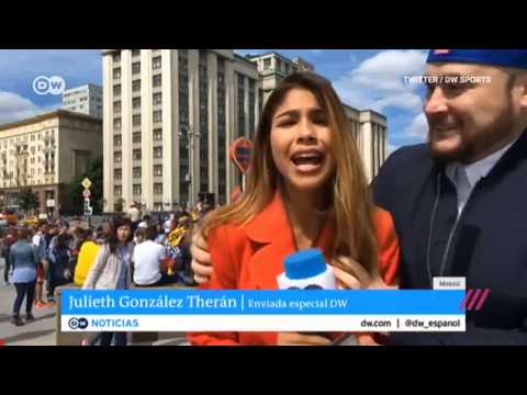 Фанат, схватил журналистку за грудь со словами «Россия – чемпион»