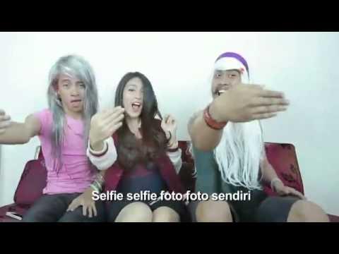 Viola Arsa - Selfie Lipsing