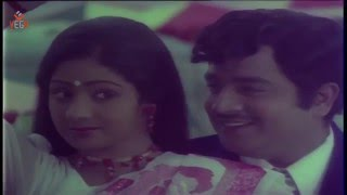 "Sridevi Tamil Hit Song ""Devadhai Oru Devathai"" From Pattakathi Bhairavan Movie"