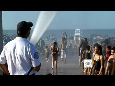 Chicago Beach-goers Hospitalized For Heatstroke