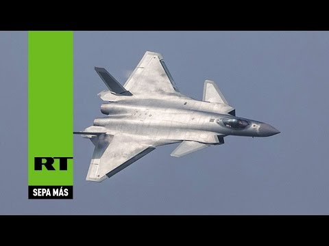 China presenta sus cazas furtivos más avanzados, el J-20 y el J-31