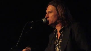 Watch John Waite Hanging Tree video