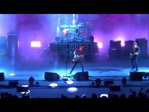 Arctic Monkeys - Evil Twin live @ Theatre Jean Deschamps ( Carcassonne / France )