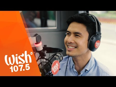 """Christian Bautista Sings """"The Way You Look At Me"""" LIVE On Wish 107.5 Bus"""
