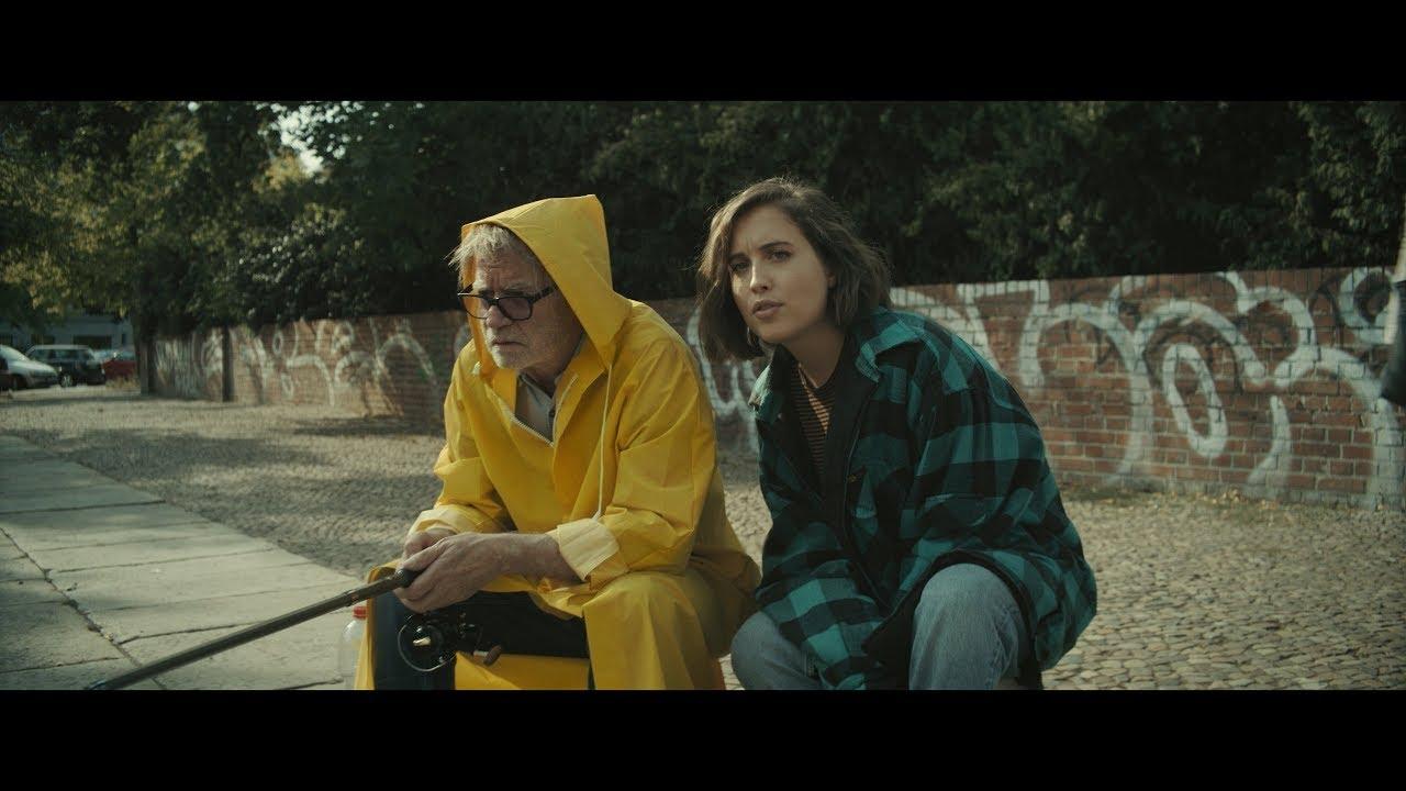 Bài hát - Why So Serious (Official Video) - Alice Merton tựa em không cần mặc đẹp - vì anh thích nhỏ