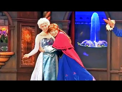 FULL New Frozen stage show in Fantasy Faire with Anna, Elsa at Disneyland