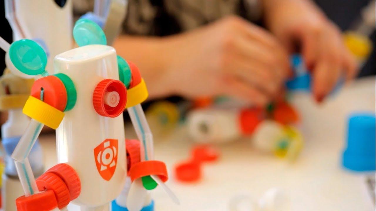 Con Ecológico Robots Materiales Hechos RecicladosUn Original Y Regalo N0vwnm8
