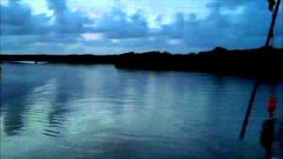 Lever du jour sur la rivière salée