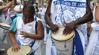 Desfile do Afoxé Filhos de Gandhi-Rio | Av Rio Branco 2013