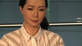 Japan unveils 'world's first' android newscaster