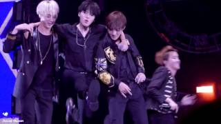 Video [FANCAM] [160702] BTS concert in Nanjing - Attack on Bangtan (Taehyung focus) download MP3, 3GP, MP4, WEBM, AVI, FLV Januari 2018
