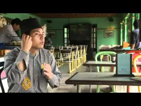 Nepal deaf restaurant hopes to remove stigma