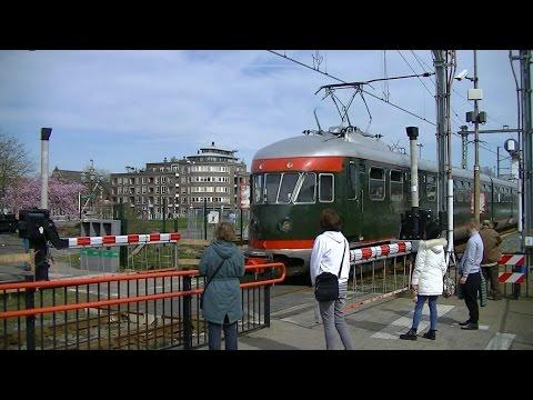 Spoorwegovergang Vlaardingen Centrum // Dutch railroad crossing