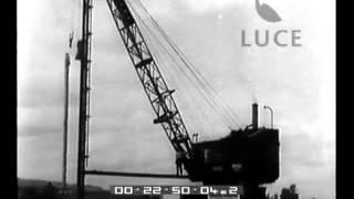 Una fabbrica austriaca ha consegnato alla Jugoslavia una draga per la regolarizzazione del fiume