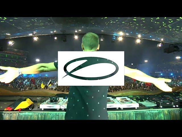 Armin van Buuren - Blah Blah Blah (+ Brennan Heart & Toneshifterz Remix) [Live at Tomorrowland 2018]