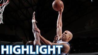 Richard Jefferson dunks on Michael Kidd-Gilchrist | Mavericks v. Hornets | 2.22.15