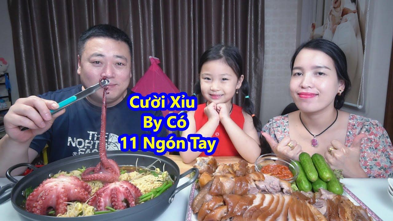 Mì Cay Bạch Tuộc Giò Heo Hầm Thảo Mộc Ngon Quá Xá (Seafood Ramen & Pigs Feet) [Cuộc Sống Hàn Quốc]