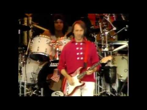 The Monkees - Last Train To Clarksville (Live 1986)