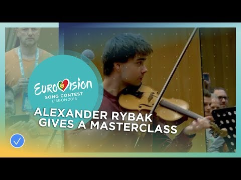 Alexander Rybak gives masterclass at Metropolitana School of Music in Lisbon