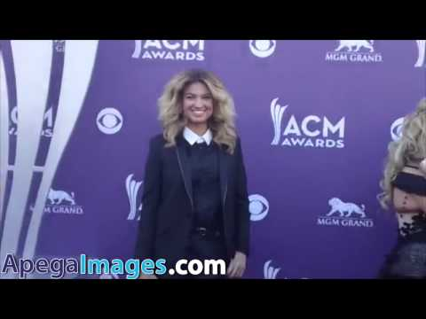 Tori Kelly arrives at the 48th Annual Academy of Country Music Awards