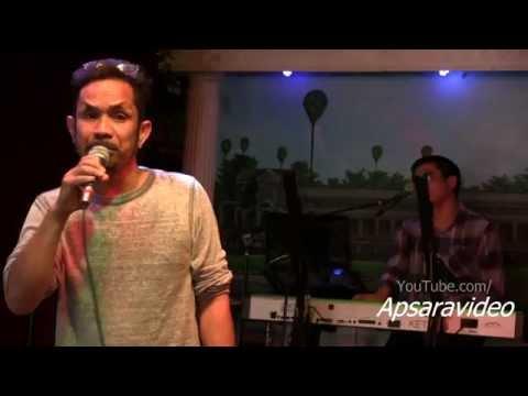 """ចំប៉ាប៉ោយប៉ែត. Guest singer Bunthan sings """"Chompa Poipet"""" at Grand Paradise LB"""