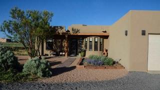 16 Lauro Rd, Santa Fe, NM 87508
