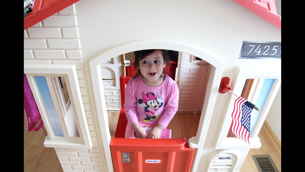 Little Tikes Cape Cottage Playhouse Inside And Outside For Kids