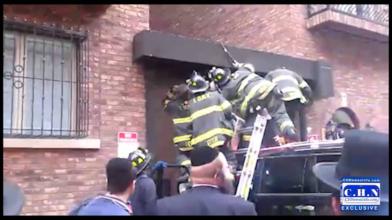 Child Pinned In Roller Gate In Williamsburg