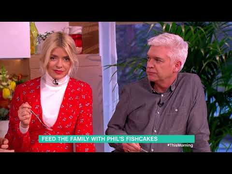 Phil Vickery's Salmon And Dill Fishcakes | This Morning