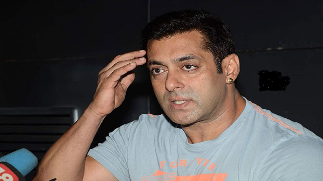 Salman Khan Is Angry About Fake Facebook Page, Misused -3645