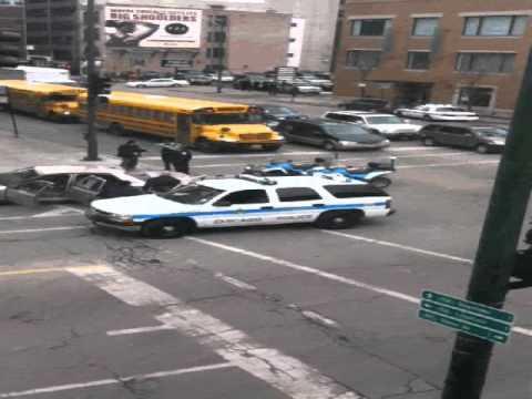 Chicago Police Shooting 800 N Wells.wmv