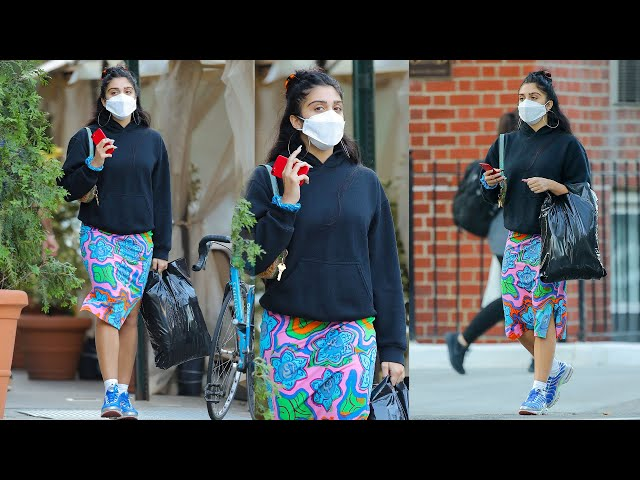 Madonna\'s Daughter Lourdes Leon spotted shopping in SoHo.