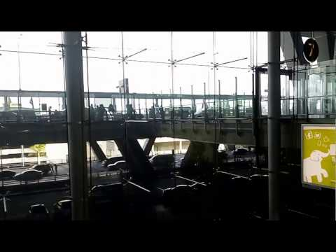 Begini Suasana di dalam Bandara Suvarnabhumi, Thailand