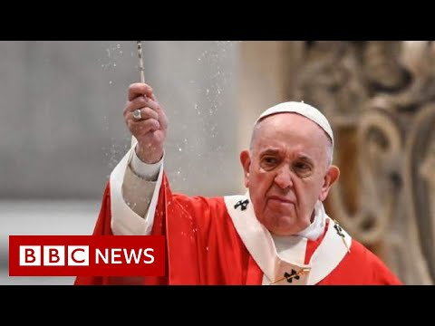 Pope holds Palm Sunday service under lockdown in Vatican City - BBC News