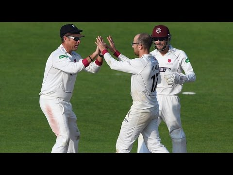 Somerset blow title race wide open, Yorkshire v Somerset Day 3
