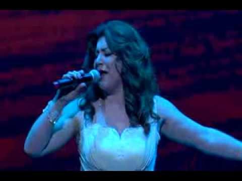 Leyla Saribekyan. Qez Zinvor U General. Live In USA Kodak Theatre Los Angeles.