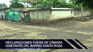 Pobladores del barrio Santa Rosa anegados