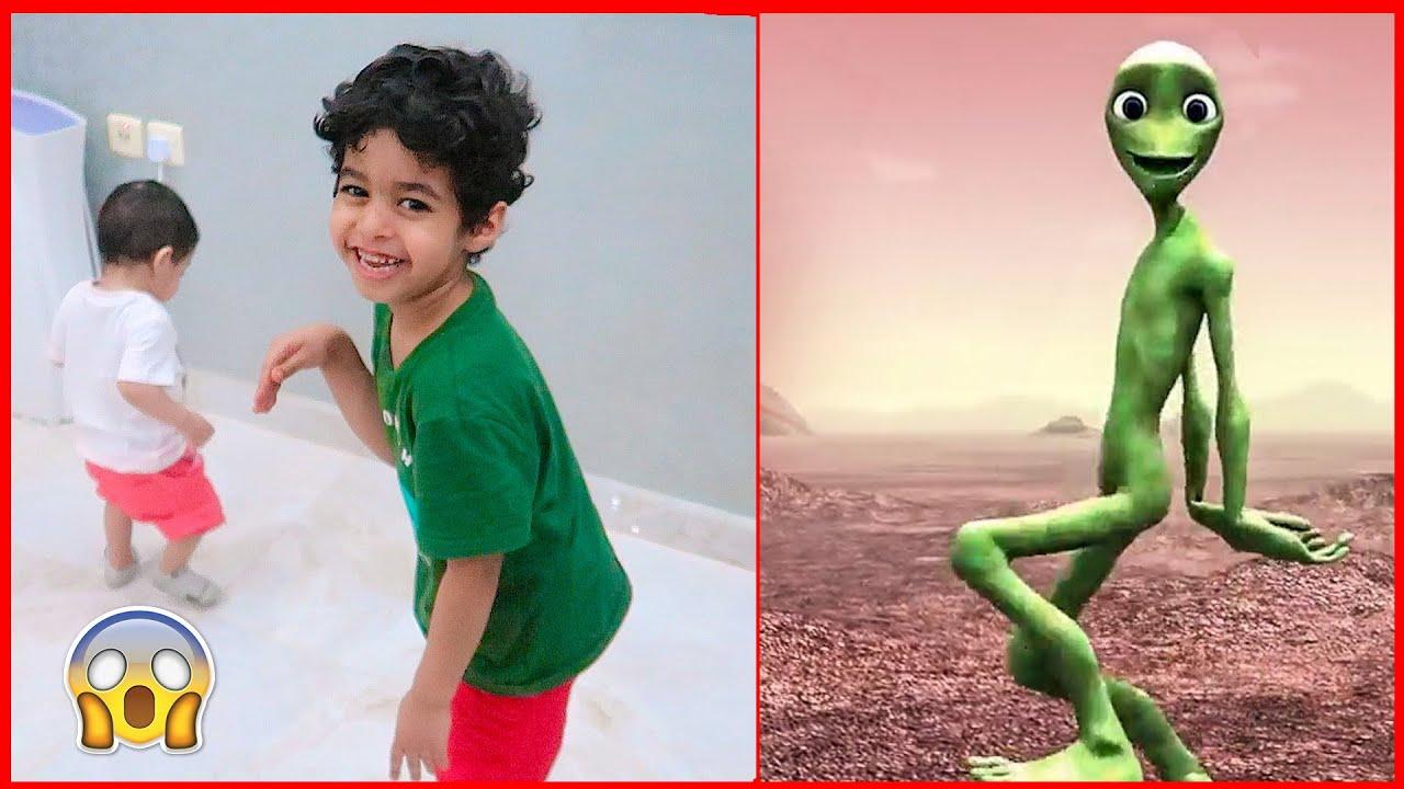 🔥 الاطفال يقلدون رقصة اجنبية. شوفو بابا اش عمل 🔥