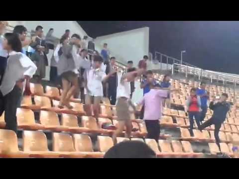 คลิปนักเรียนเต้นเพลง สาวเลยยังรอ หลังเกมส์ฟุตบอลคิงส์คัพ ระหว่าง ไทย กับ อุซเบกิซถาน เอวดีจริงๆ