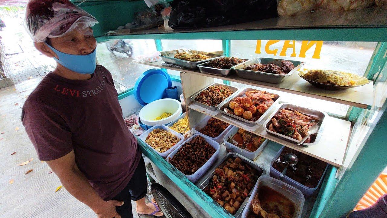 SARAPAN PAGI RP. 10 RIBU DAN LANGGANNYA OJEK ONLINE DAN WARGA PERUMAHAN !!! INDONESIAN STREET FOOD