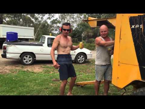 funny-redneck-vs-aircompressor-video
