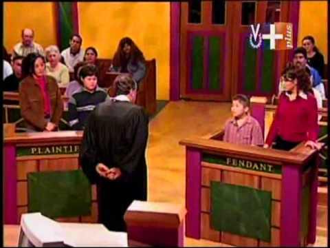 La Corte del Pueblo  Pelea de mascotas