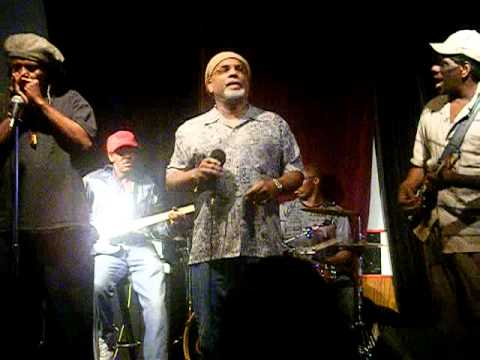 HONEYDRIPPER live with KING MOODY & THE KILLER RAY BAND at The Checkerboard Lounge Chicago 2011