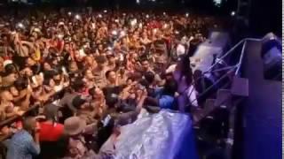 Download Video Goyang hot dewi persik MP3 3GP MP4