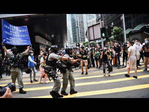 Çin'in milli marşa saygısızlığı suç kapsamına alma teklifi Hong Kongluları sokağa döktü