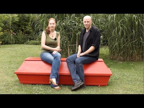 sarggeschichten braucht man zum sterben einen arzt. Black Bedroom Furniture Sets. Home Design Ideas