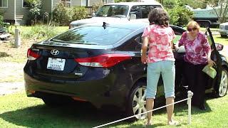 2013 HYUNDAI ELANTRA LIMITED 45.3 MPG WALK AROUND 6 SPEED AUTO. LEATHER 17in. ALLOY WHEELS