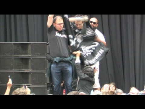 Animal Rights Activists Disrupt Bernie Sanders Rally In California - Secret Service Takes Action